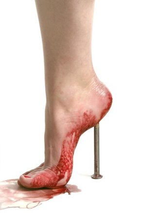newc_kuest_high_heeled.jpg