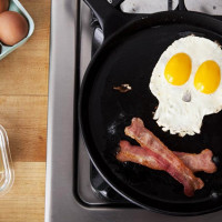 Pirates-Eggs-and-Bacon-Breakfast