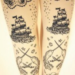 Pirate printed tights
