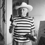 Photo of the day: Picasso with Gary Cooper's gun