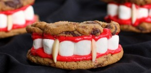 draculas-dentures-cookies-600x600