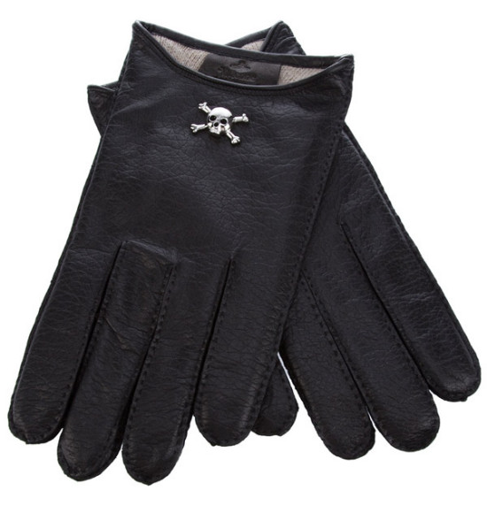 Skull-Cropped-Gloves-by-Vivienne-Westwood-02