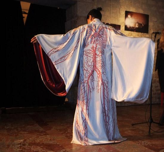 Silk Me Back - Arterial Kimono