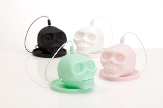 lee-jinyoung-skull-tea-infuser-designboom-02