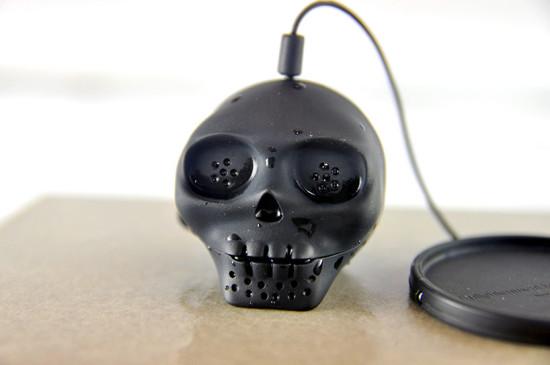 lee-jinyoung-skull-tea-infuser-designboom-04